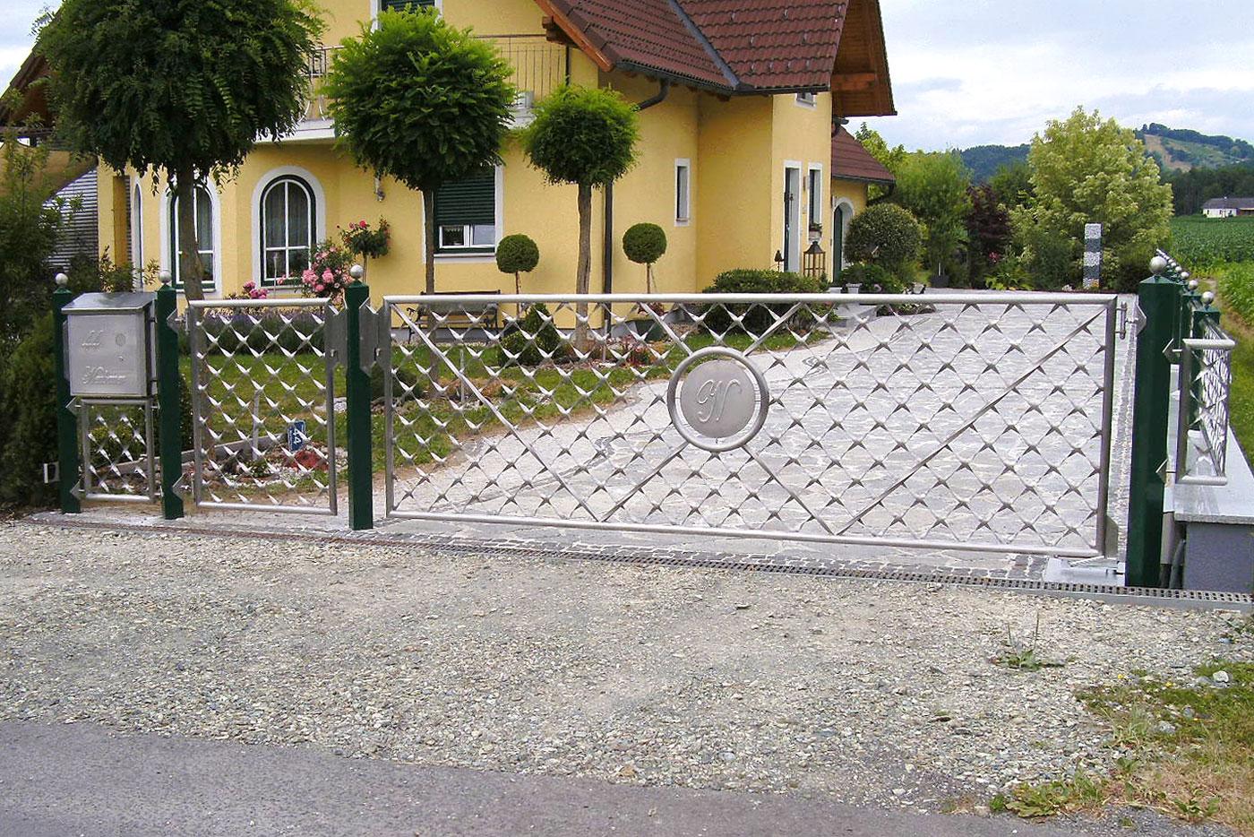 Tore und Zäune Gartentore und Gartenzäune Hermax Metalldesign